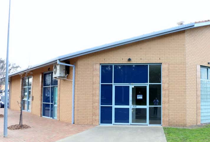 Unit 4, 2 Montford Crescent Lyneham ACT 2602 - Image 1
