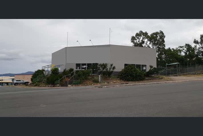 2 Commerce Close Cannonvale QLD 4802 - Image 1