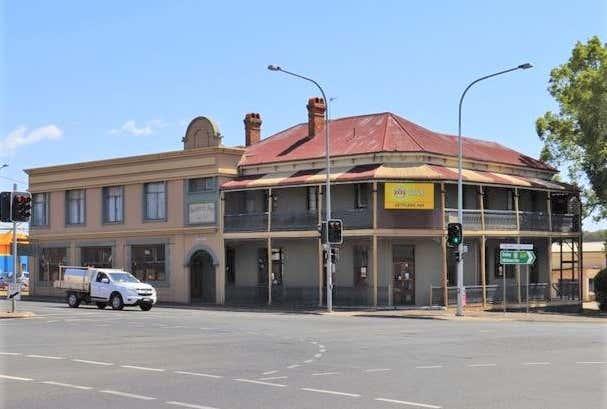 Settlers Inn, 633 Ruthven Street South Toowoomba QLD 4350 - Image 1
