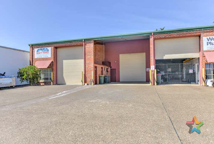 2/4 Cook Street Tamworth NSW 2340 - Image 1