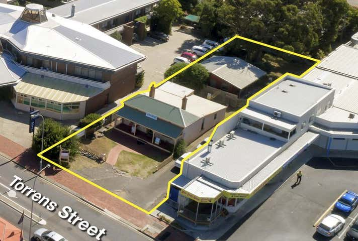 9 Torrens St Victor Harbor SA 5211 - Image 1