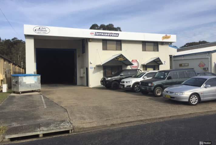 7 Lawson Crescent Coffs Harbour NSW 2450 - Image 1