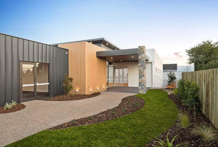 8 Scott Street East Toowoomba QLD 4350 - Image 1
