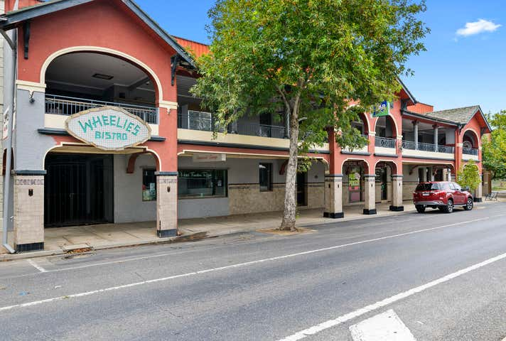 Commercial Hotel, 4 Bridge Street Benalla VIC 3672 - Image 1