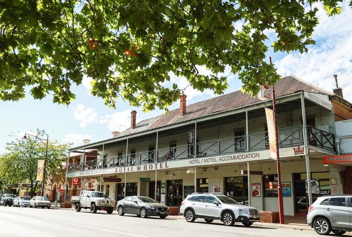 Royal Hotel, 88 Wynyard Street Tumut NSW 2720 - Image 1