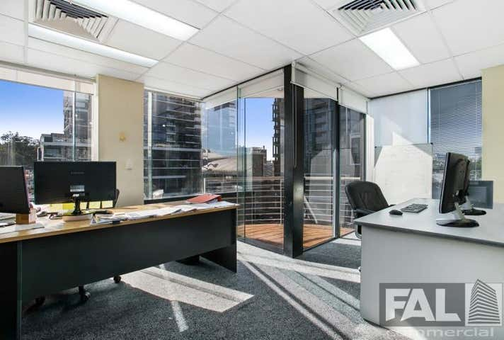 (Owner Occupier), 20 Park Road Milton QLD 4064 - Image 1