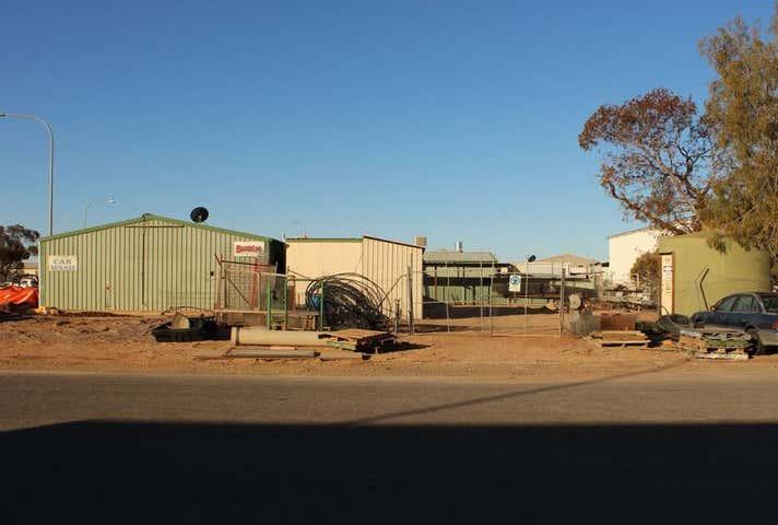 2 Gosse Street Roxby Downs SA 5725 - Image 1