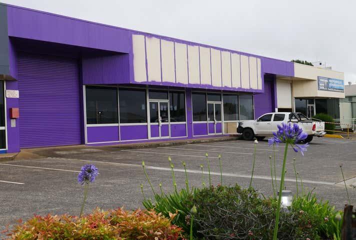 2/23 Pechey Street South Toowoomba QLD 4350 - Image 1