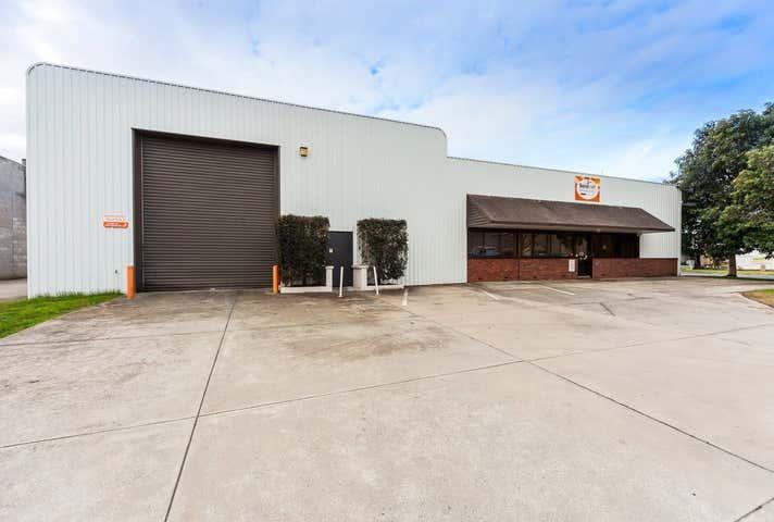 92 Fallon Street Albury NSW 2640 - Image 1