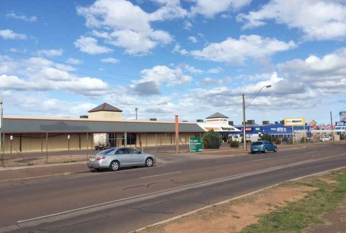 116-124 McDouall Stuart Avenue Whyalla Norrie SA 5608 - Image 1