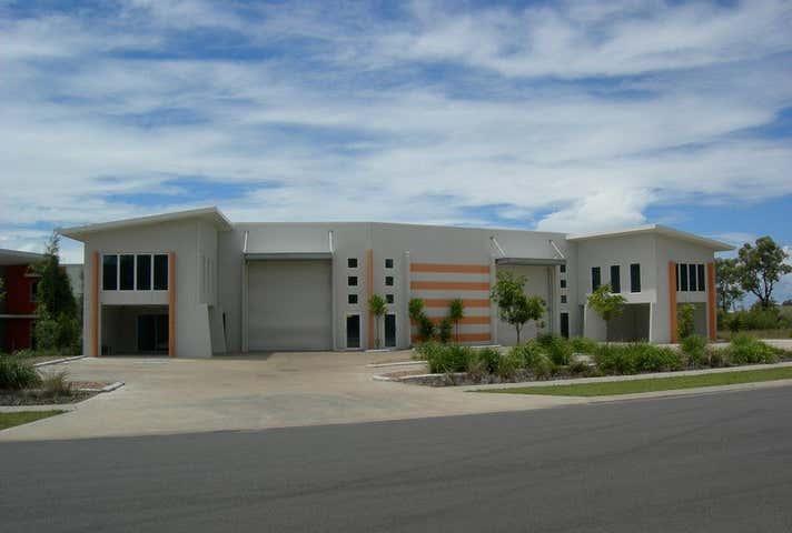 2/28  Southern Cross Circuit Urangan QLD 4655 - Image 1