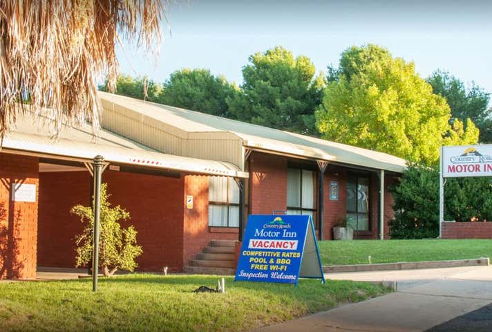 Country Roads Motor Inn, 90-92  Whitton Street Narrandera NSW 2700 - Image 1