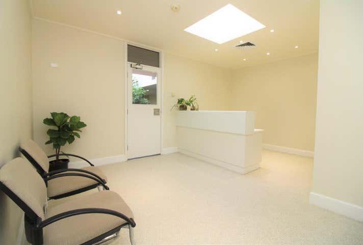 Suite 6 , 7 Scott Street East Toowoomba QLD 4350 - Image 1