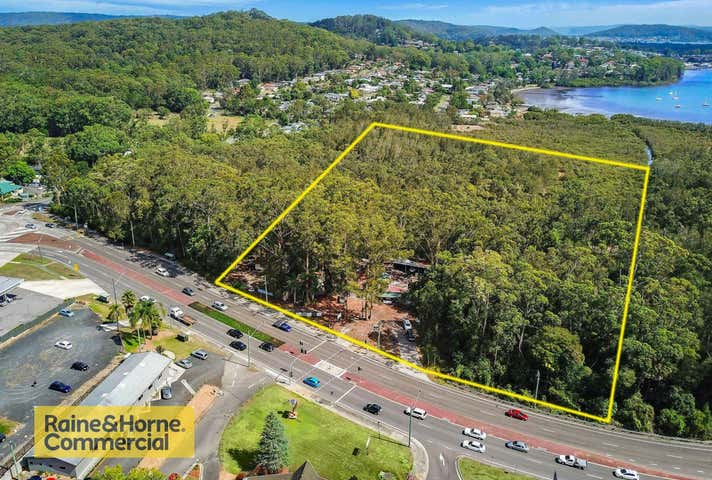 389 AVOCA DRIVE Green Point NSW 2251 - Image 1