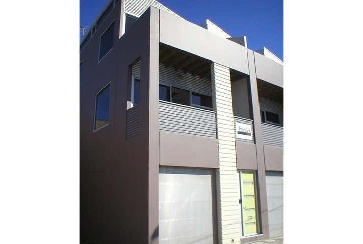 1/12 Gladstone Place South Melbourne VIC 3205 - Image 1