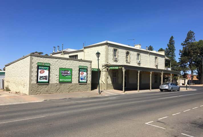 Royal Hotel Moonta, 2 Ryan Street Moonta SA 5558 - Image 1