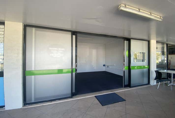 Shop 2, 221 Dawson Highway Clinton QLD 4680 - Image 1
