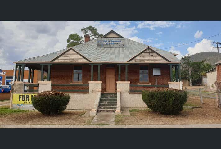 242 Marius Street Tamworth NSW 2340 - Image 1