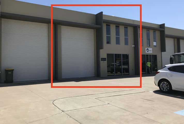 2/3 Southern Cross Cct Urangan QLD 4655 - Image 1