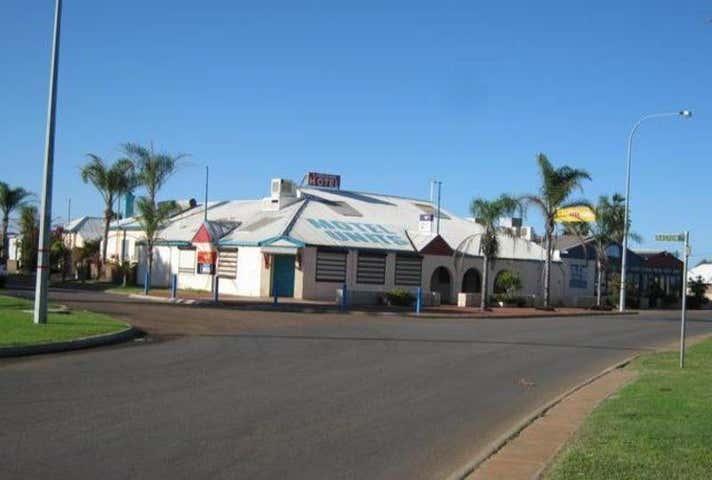 The Carnarvon Hotel, 125 Olivia Terrace Carnarvon WA 6701 - Image 1