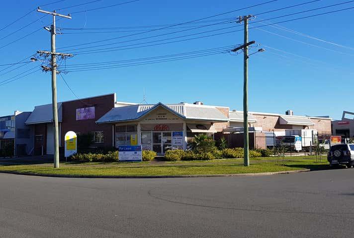 8 Textile Avenue Warana QLD 4575 - Image 1