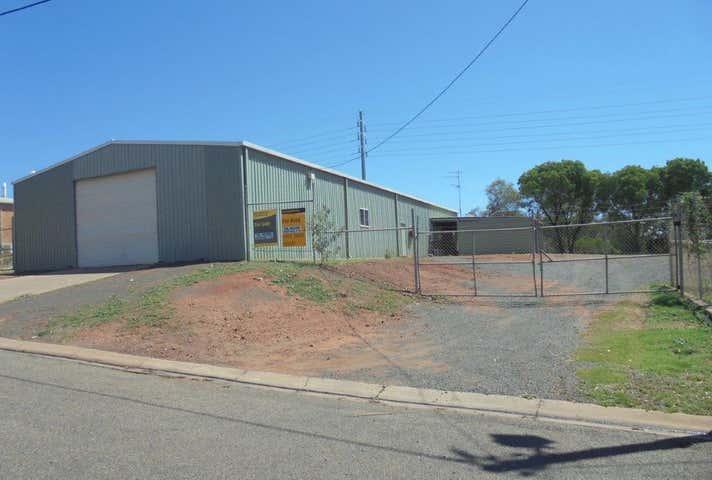 6 Colliery Street Moranbah QLD 4744 - Image 1