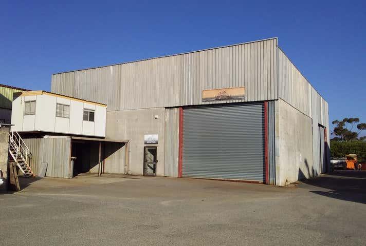 2/17 Kewdale Road Welshpool WA 6106 - Image 1