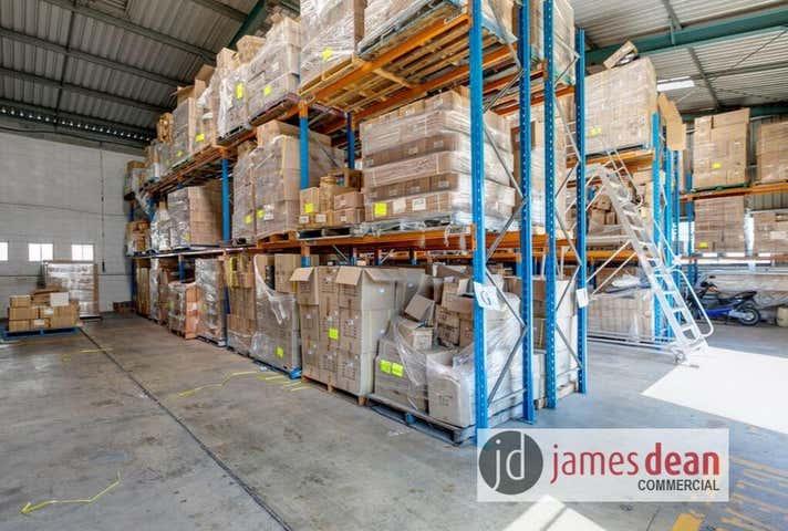 3, 27 Container Street Tingalpa QLD 4173 - Image 1