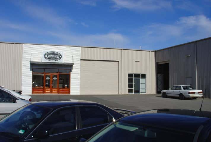 U2a, 11 Crompton Road Littlehampton SA 5250 - Image 1