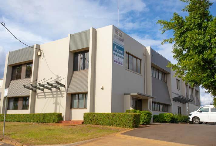 1/218 Anzac Avenue Harristown QLD 4350 - Image 1