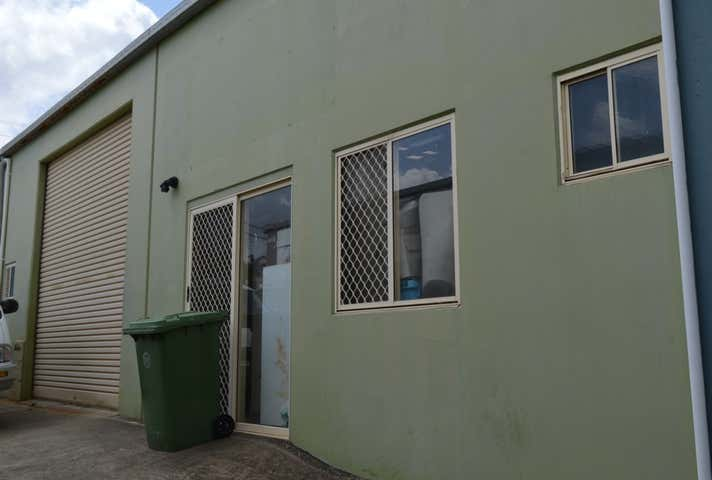 2/4 Lawyer Street Maleny QLD 4552 - Image 1