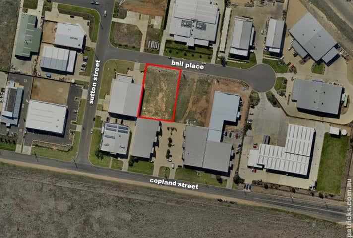 8 Ball Place Wagga Wagga NSW 2650 - Image 1