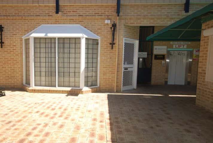 12/35 William Street Fremantle WA 6160 - Image 1