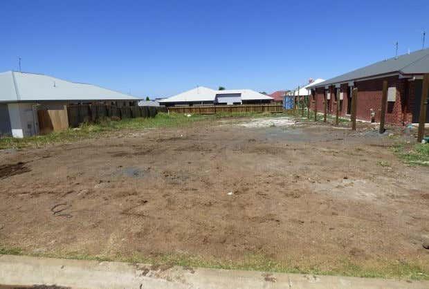 98 Sanctuary Drive Cranley QLD 4350 - Image 1