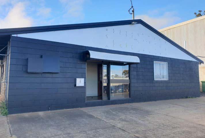 2/139 North Street Harlaxton QLD 4350 - Image 1