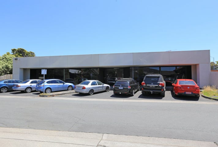 2 Seventh Avenue, Rosebud, Vic 3939