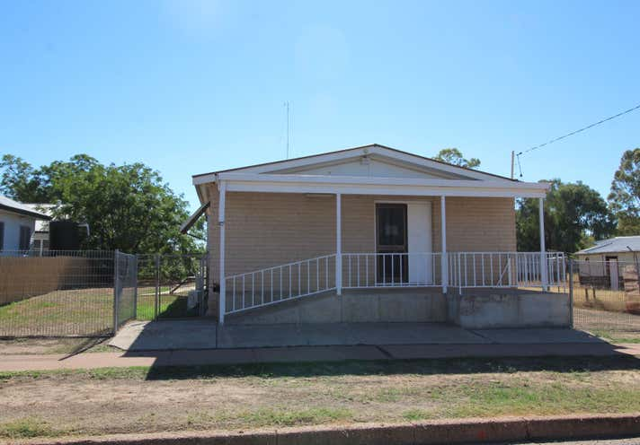26 Bathurst Street Brewarrina NSW 2839 - Image 2