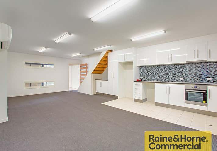 3/944 Nudgee Road Banyo QLD 4014 - Image 1