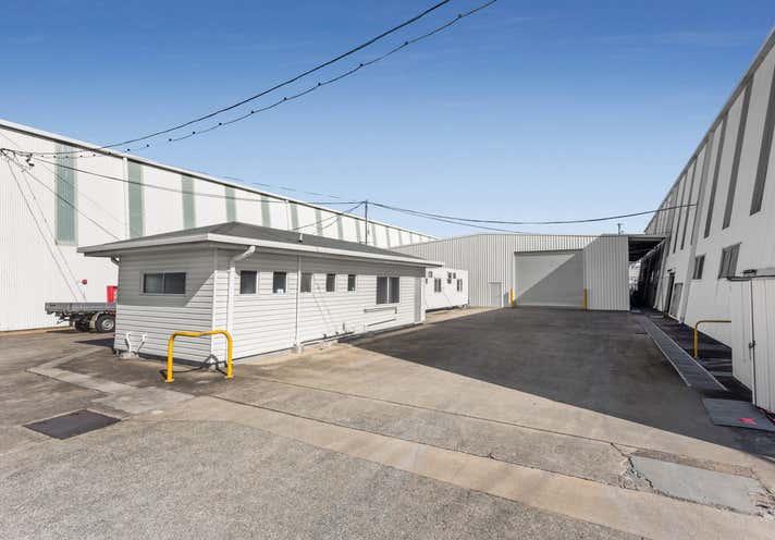 860 Kingsford Smith Drive Eagle Farm QLD 4009 - Image 1