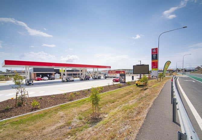 100 East-West Arterial Hendra QLD 4011 - Image 1