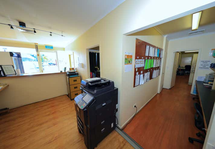 Units 6, 127 Anderson Street Cairns North QLD 4870 - Image 16
