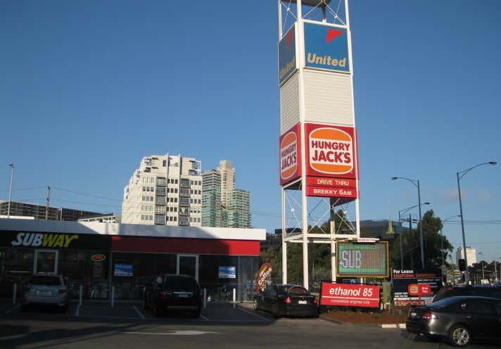 United Petroleum - Southbank, 151-165 Kings Way Southbank VIC 3006 - Image 3