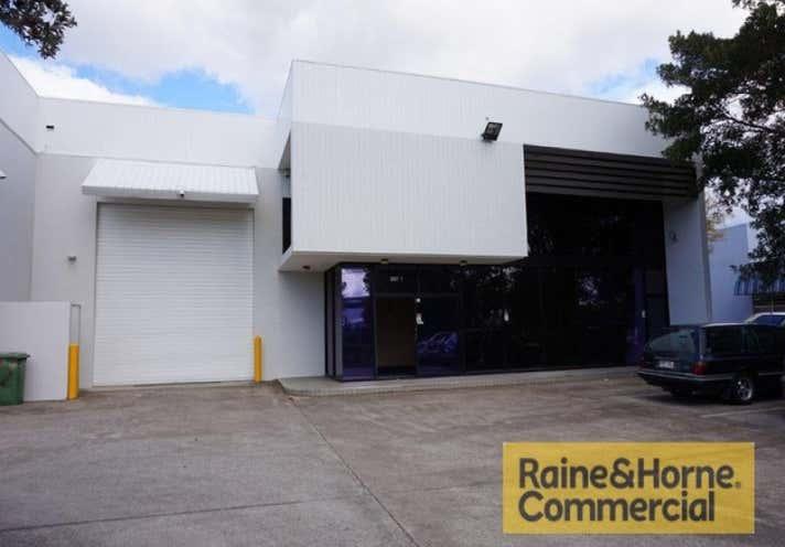 1/12 Booran Drive Woodridge QLD 4114 - Image 1