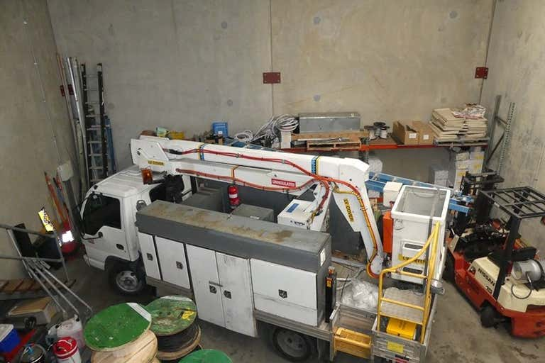 12/15 Corporate place Hillcrest QLD 4118 - Image 2