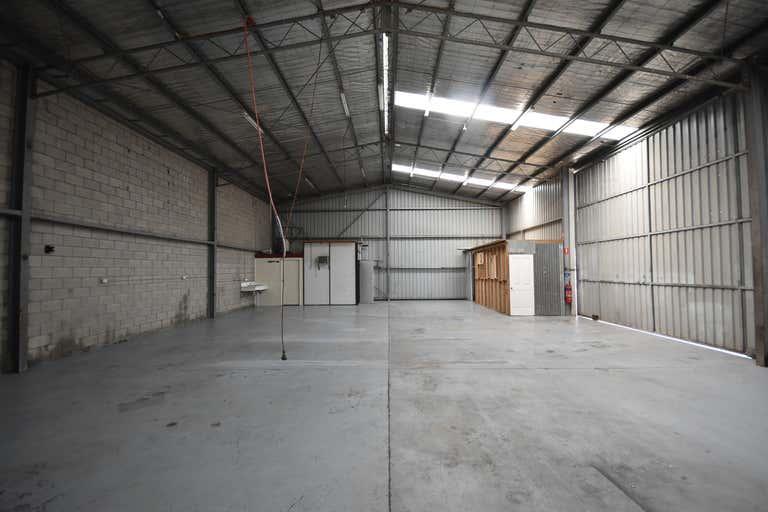 2/187 Melbourne Road Wodonga VIC 3690 - Image 2