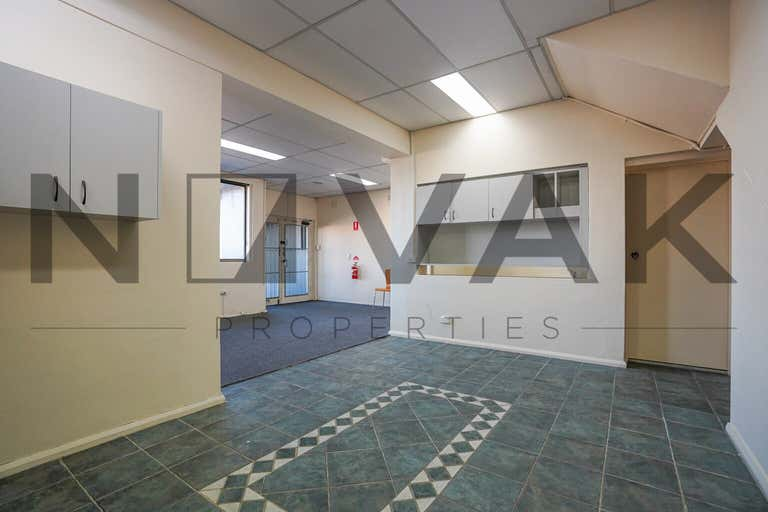 LEASED BY ARMMANO LAZIC 0451 677 321 & MICHAEL BURGIO 0430 344 700, 1/529  Pittwater Road Brookvale NSW 2100 - Image 3