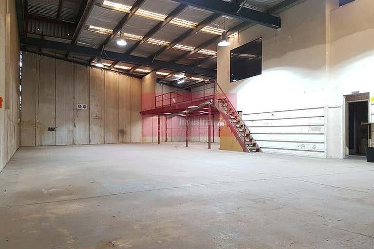 Unit 4, 14 Sheridan Close Milperra NSW 2214 - Image 2