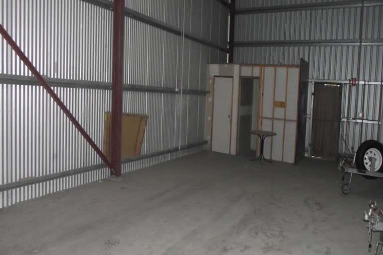 Unit 4, 10 DOOLEY STREET Park Avenue QLD 4701 - Image 2