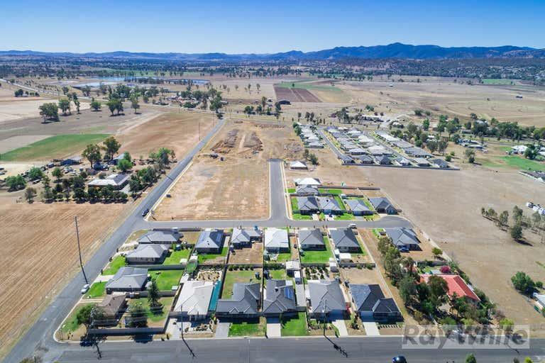 Northern Lights Estate, 105/117 Goonan St Westdale NSW 2340 - Image 2