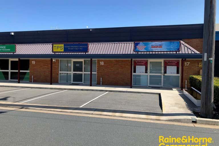 (L) Unit 17, 10 Bellbowrie Street Port Macquarie NSW 2444 - Image 2